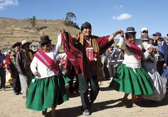 evo dances with aymara women 2006