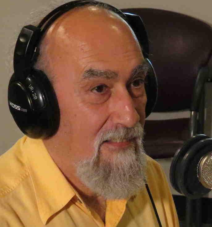 Luis Guerra studio2 sm crp