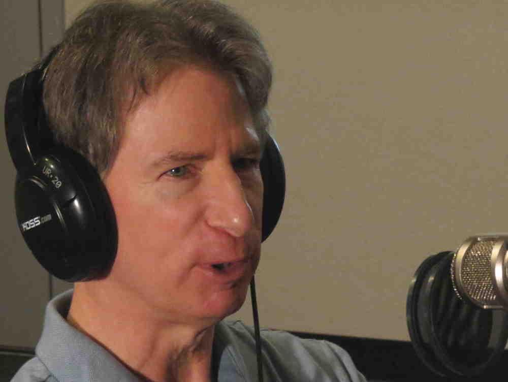 Tom Grace mic sm