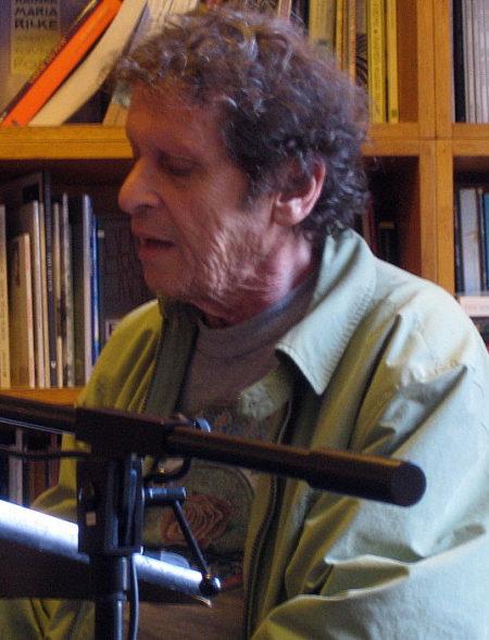Michael Simmons : Paul Krassner: Nun smooching in America