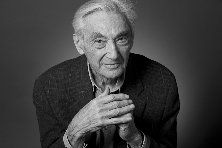 Howard Zinn : Why We Must Not Be Discouraged