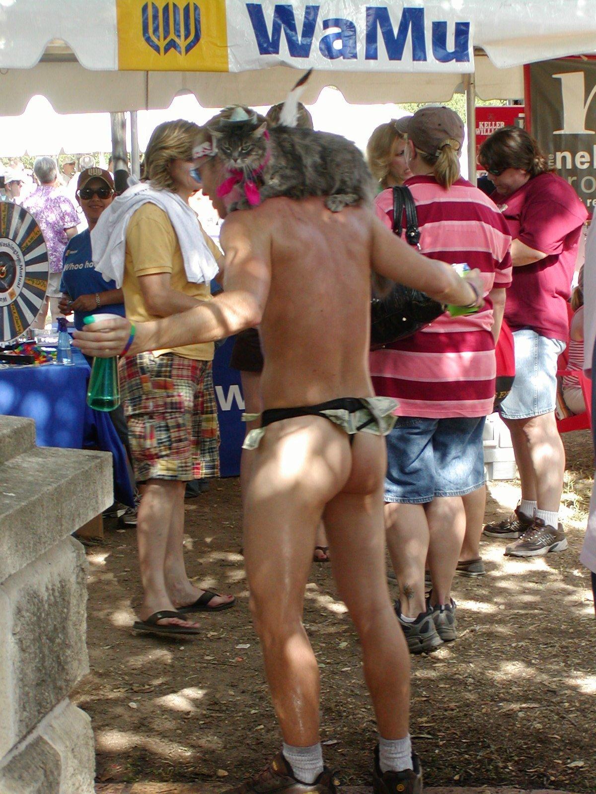 Horny blaablack female masterbates with dildo